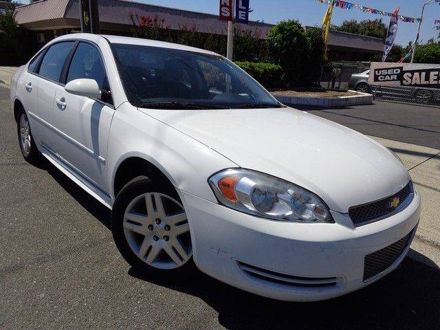 2013 Chevrolet Impala LT We are proud to offer a delightful 2013 Chevrolet Impala LT that is White
