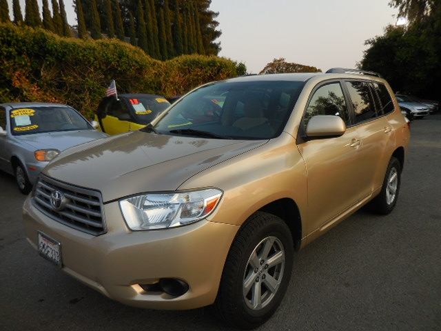 2009 Toyota Highlander Base 4WD We are excited to offer a terrific 2009 Toyota Highlander 4WD tha
