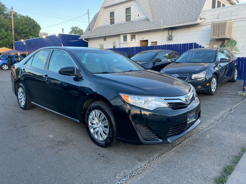 2014 toyota camry le 4dr sedan cars - englewood, co at geebo
