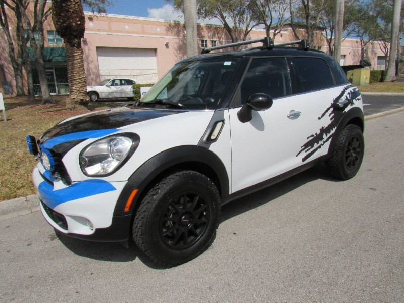 2011 Mini Cooper Countryman FWD 4dr S Very clean in and out White Black 65550 miles Stock L