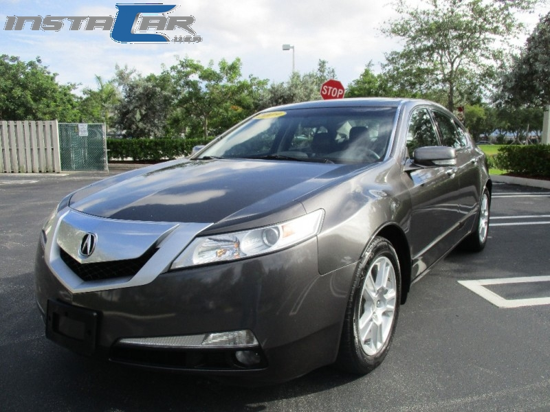 2009 Acura TL 4dr Sdn 2WD Tech Beautiful vehicle very clean in and out everything is working fin