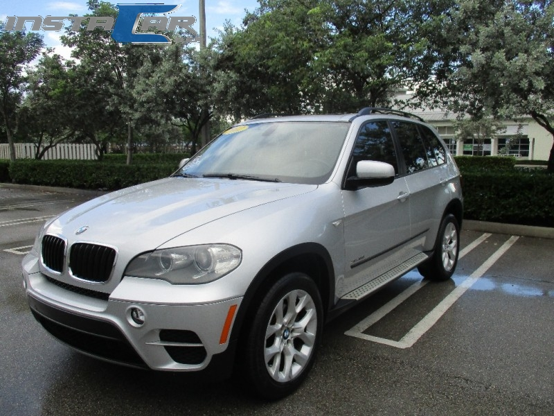 2012 BMW X5 AWD 4dr 35i Premium If youre enamored of the BMW marque or mystique but require more