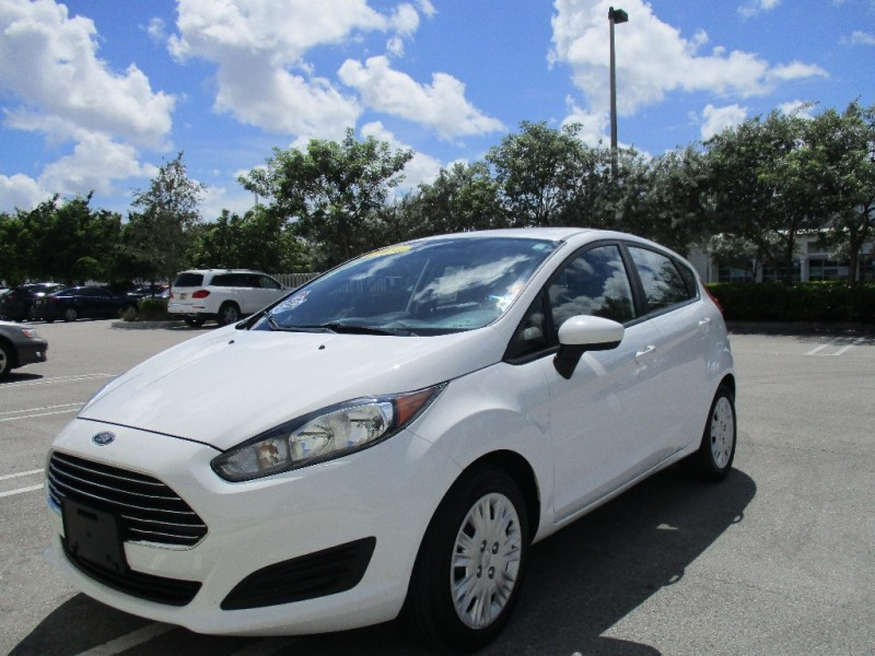 2014 Ford Fiesta 5dr HB S Very clean in and out vehicle everything working perfectly fine good t