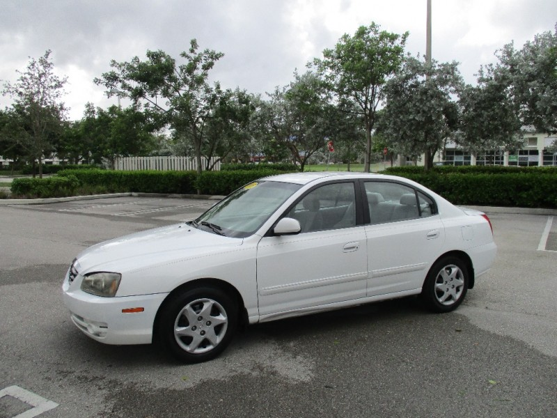 2005 Hyundai Elantra 4dr Sdn GT White Beige 112250 miles Stock 152191 VIN KMHDN46D15U152191