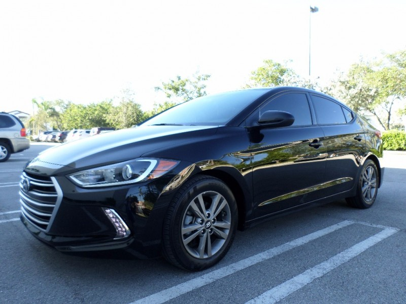 2017 Hyundai Elantra 4dr Sdn Auto L The Elantra has improved with each generation and the newest