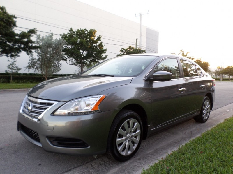 2015 Nissan Sentra 4dr Sdn I4 CVT SV If a roomy and comfortable interior takes priority over sport