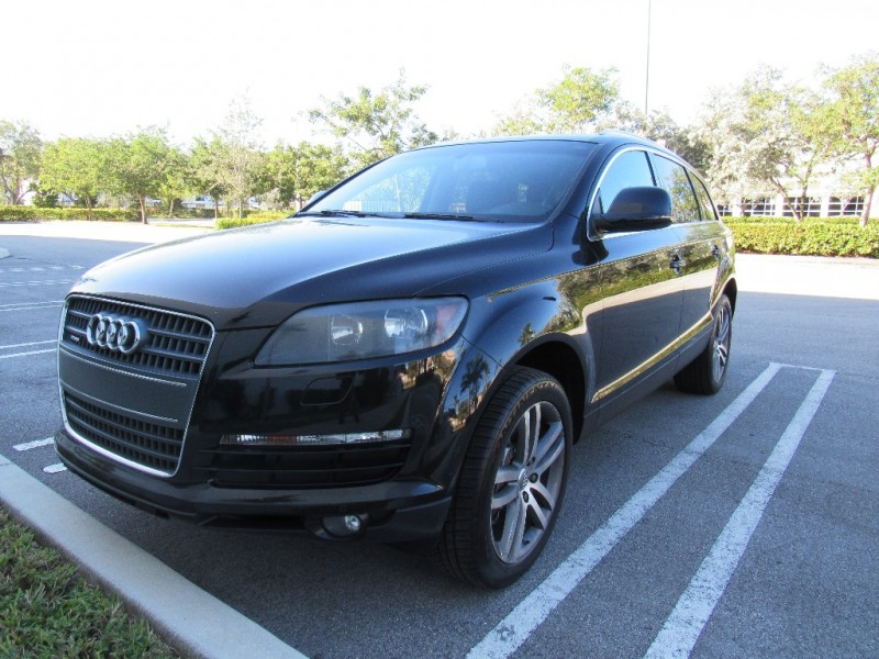 2009 Audi Q7 quattro 4dr 36L excellent conditionAudi admits it came late to the sport utility g