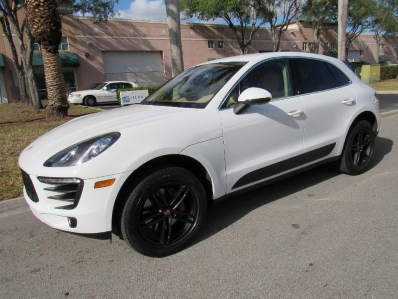 2016 Porsche Macan S AWD 4drS White Tan 21328 miles Stock B47236 VIN WP1AB2A50GLB47236