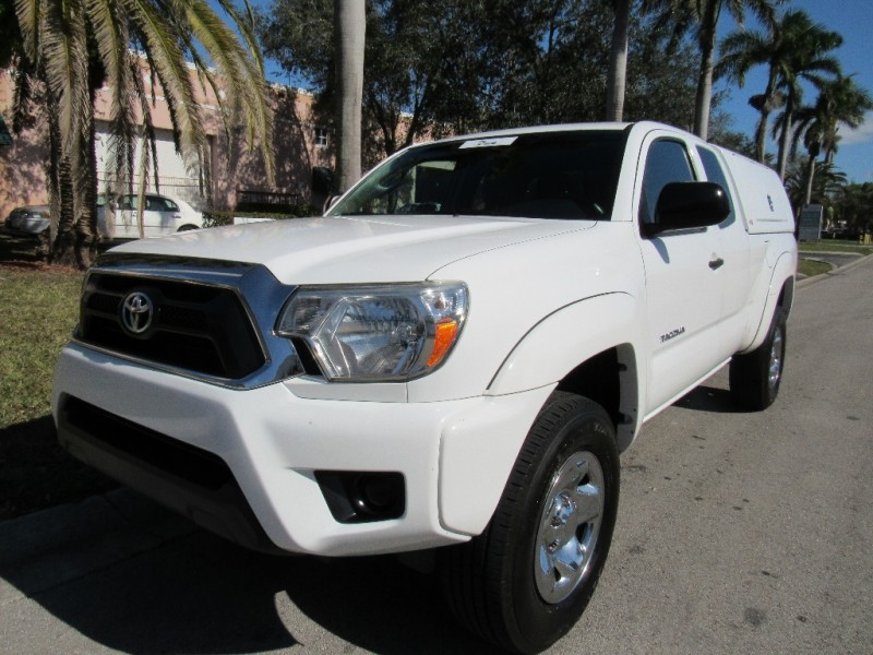2013 Toyota Tacoma 2WD Access Cab I4 AT PreRunner EXCELLENT CONDITIONSThe Toyota Tacoma is Amer