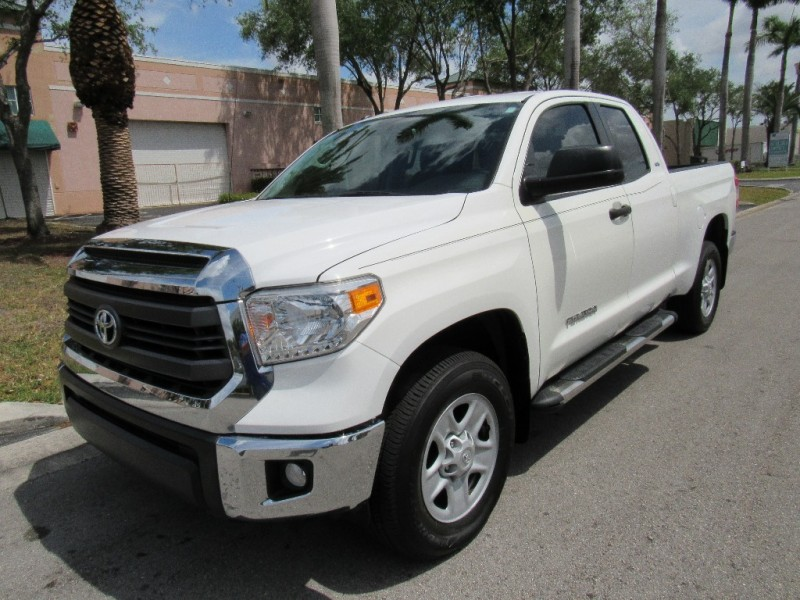 2015 Toyota Tundra 2WD Truck EXCELLENT CONDITIONSGOOD TIRES White Black 18357 miles Stock