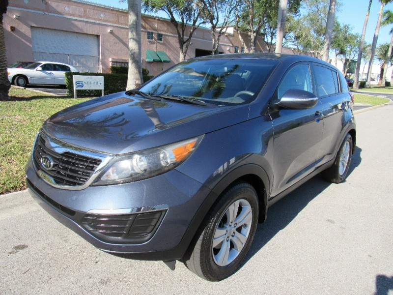 2012 Kia Sportage FWD 4dr I4 Auto LX Beautiful vehicle good tires motor and transmission working