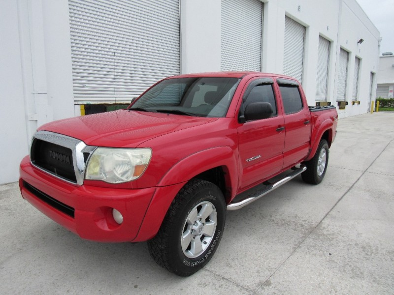 2006 Toyota Tacoma Double 128 Auto 4WD Very clean in and out Red Gray 180666 miles Stock 2615