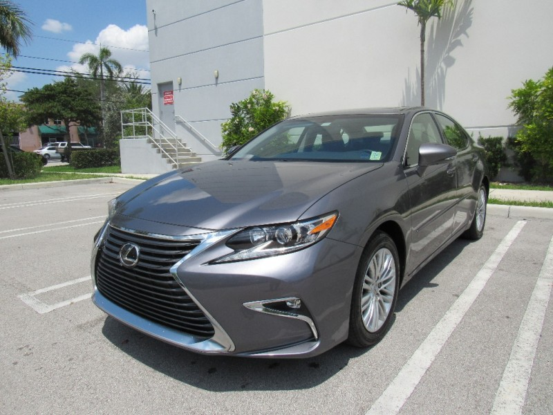 2016 Lexus ES 350 4dr Sdn Beautiful vehicle very clean in and out Gray Black 13000 miles St