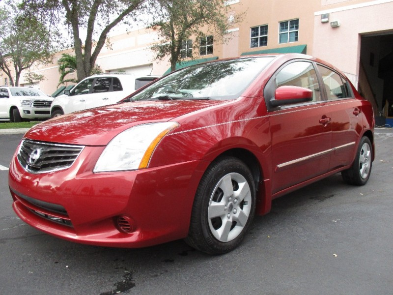 2012 Nissan Sentra If a roomy comfortable interior and lots of low-priced high-end features mean
