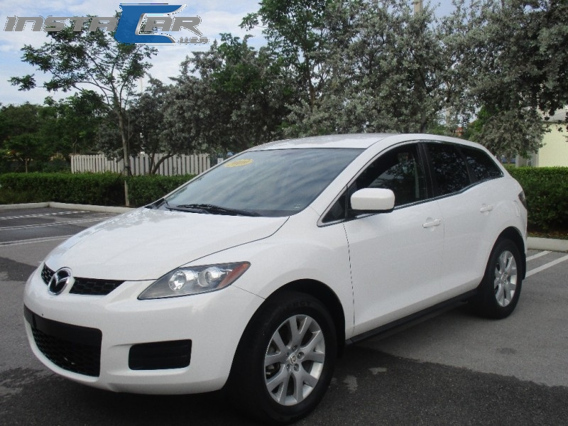 2009 Mazda CX-7 FWD 4dr Sport The 2009 Mazda CX-7 a sleek five-passenger SUV with the heart of a