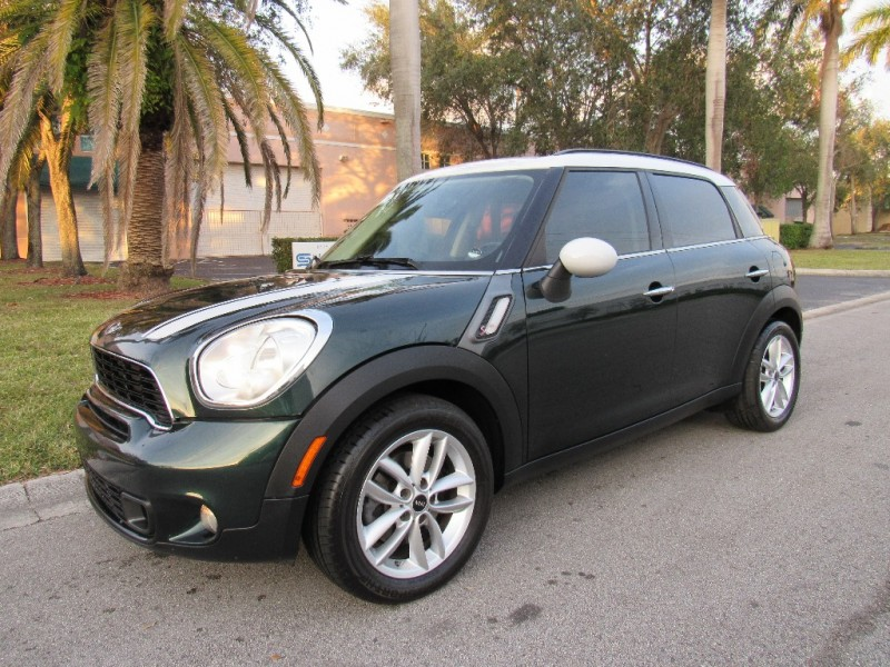 2011 Mini Cooper Countryman S FWD 4dr S If youve always been infatuated by Minis unique stylin