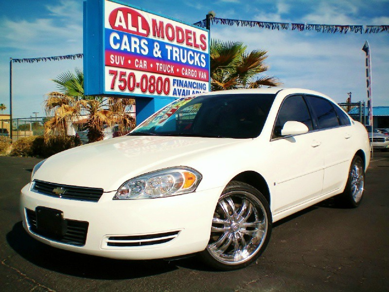 2008 Chevrolet Impala 4dr Sdn LS The AC on this vehicle blows ice cold Amazing car It looks grea