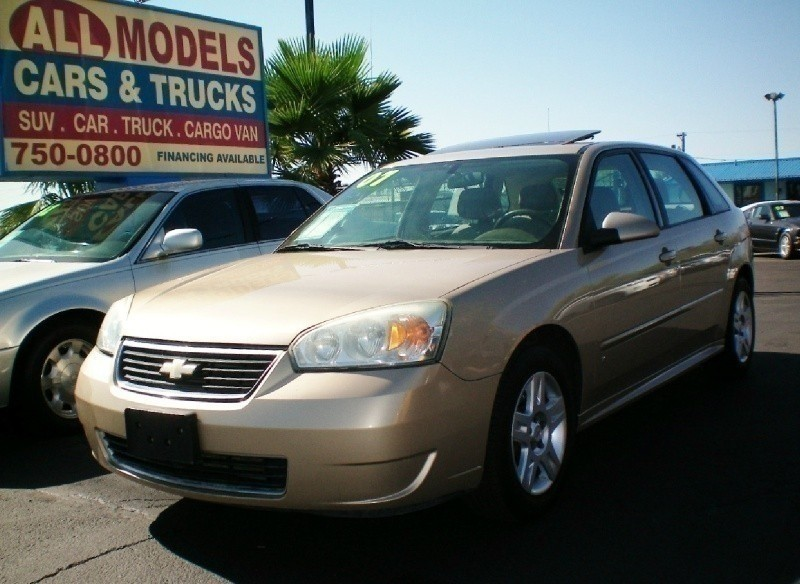 2007 Chevrolet Malibu Maxx 5dr Sdn LT This car is really one of the kind It has all the accessor