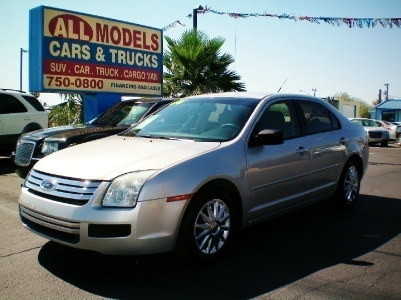 2008 Ford Fusion 4dr Sdn I4 S FWD This car is really one of the kind It has all the accessories av