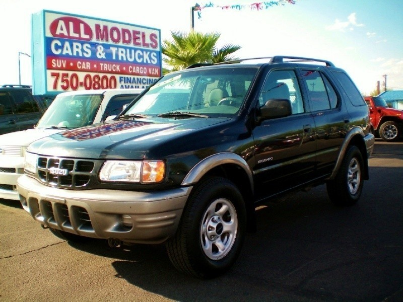 2002 Isuzu Rodeo 4dr LS 32L Auto 4WD This car is really one of the kind It has all the accessorie