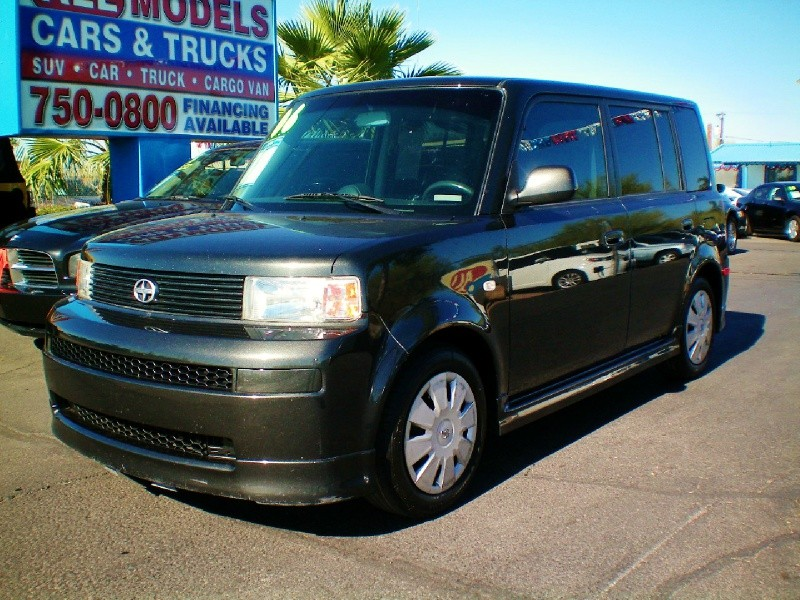 2006 Scion xB 5dr Wgn Auto This car is really one of the kind It has all the accessories available