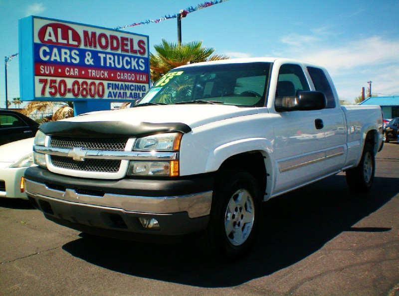 2005 Chevrolet Silverado 1500 Ext Cab 1435  STOP LOOKING  YOU FOUND YOUR TRUCK  This 200
