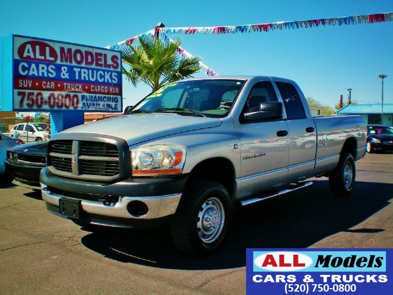 2006 Dodge Ram 2500 4dr Quad Cab 1605 4WD ST Stop Looking you found your Truck Turbo Diese