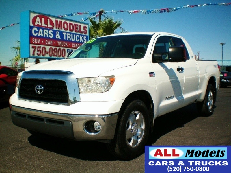 2008 Toyota Tundra 2WD Truck Dbl 57L V8 6-Spd AT SR5 STOP LOOKING You found your next Truck