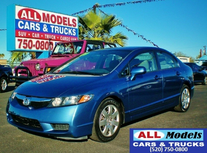 2009 Honda Civic Sdn 4dr Auto LX STOP LOOKING You found your next CarIts a Peach a Grea