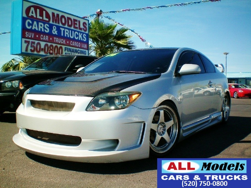 2006 Scion tC 3dr HB Auto This 2006 Scion tC Hatchback Coupe 2D Silver With Charcoal Gray cloth int