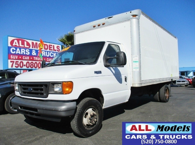2005 Ford Econoline Commercial   2005 Ford E350 Super Duty  Commercial Cutaway  BOX VAN