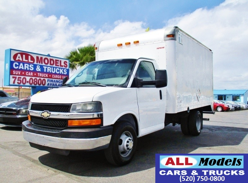 2011 Chevrolet Express Cutaway RWD 3500 139 WB Work Van   2011 Chevrolet Express Commercial