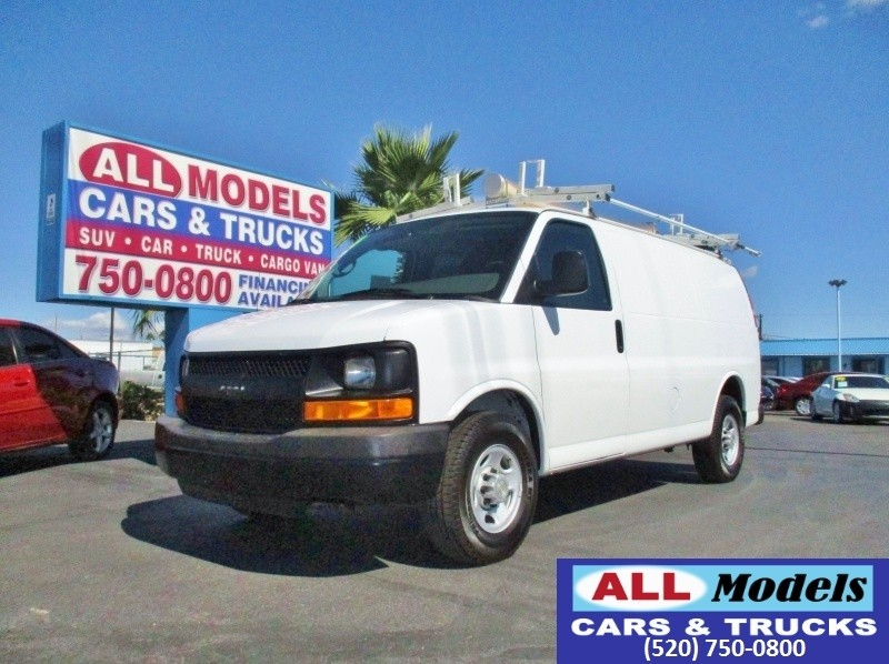 2009 Chevrolet Express Cargo Van RWD 2500 135 2009 Chevrolet Express 2500 Cargo Van  Shelves