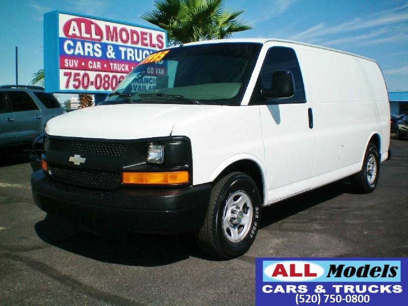 2004 Chevrolet Express Cargo Van 1500 135 WB RWD    2004 Chevrolet Express 1500 Cargo Van