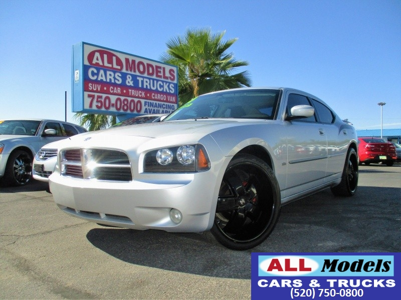 2010 Dodge Charger 4dr Sdn SXT RWD  There is no better time than now to buy this gorgeous 2010