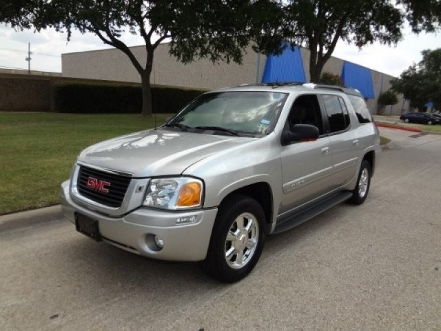 2004 GMC Envoy XUV 4dr 4WD SLT PRICED BELOW MARKET THIS Envoy XUV WILL SELL FAST This 2004 GMC