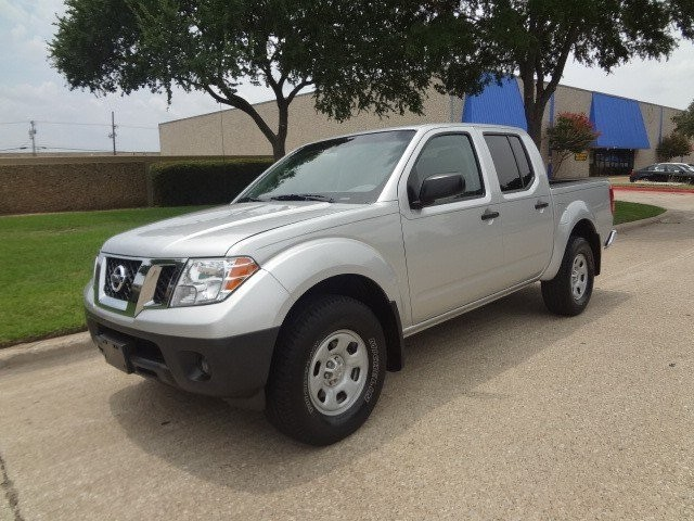 2011 Nissan Frontier 4WD Crew Cab SWB Auto S Carfax One Owner Priced Below the Market This 2011 A