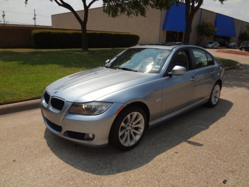 2011 BMW 3 Series 328i -CARFAX ONE OWNER- PRICED BELOW MARKET THIS 3 Series WILL SELL FAST Thi