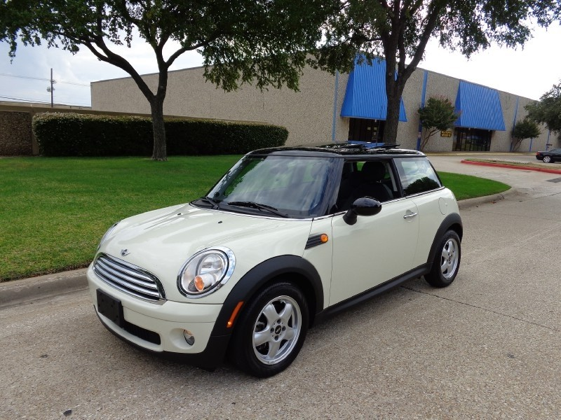 2010 Mini Cooper Hardtop 2dr Cpe 23k LEATHER HEATED SEATS PANORAMIC SUNROOF ONE OWNER CARFAX CER