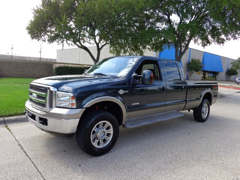 2006 Ford Super Duty F-250 King Ranch Crew Cab 156 XL 4WD This 2006 Ford Super Duty F-250 looks g