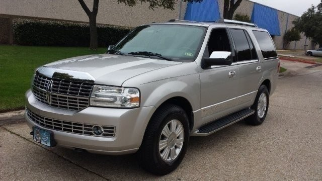 2007 Lincoln Navigator 2WD 4dr Ultimate NEW ARRIVAL PRICED BELOW MARKET THIS Navigator WILL SELL