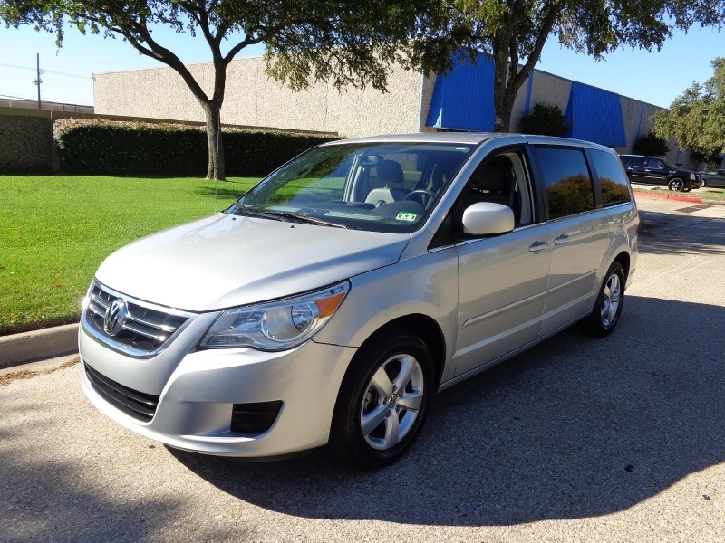 2009 Volkswagen Routan 4dr Wgn Highline NEW ARRIVAL -CARFAX ONE OWNER- PRICED BELOW MARKET THIS