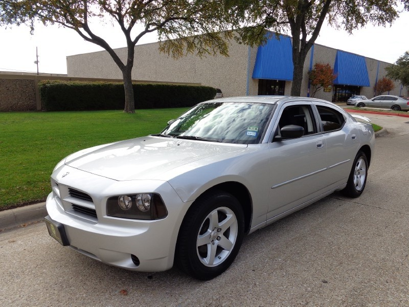 2009 Dodge Charger SE NEW ARRIVAL This 2009 Dodge Charger 4dr Sdn SE RWD looks great with a clean