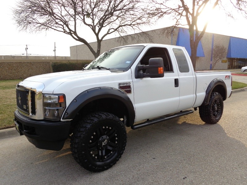 2010 Ford Super Duty F-250 SRW wwwdallaspreownedcom White Gray 138852 miles Stock B38429 V