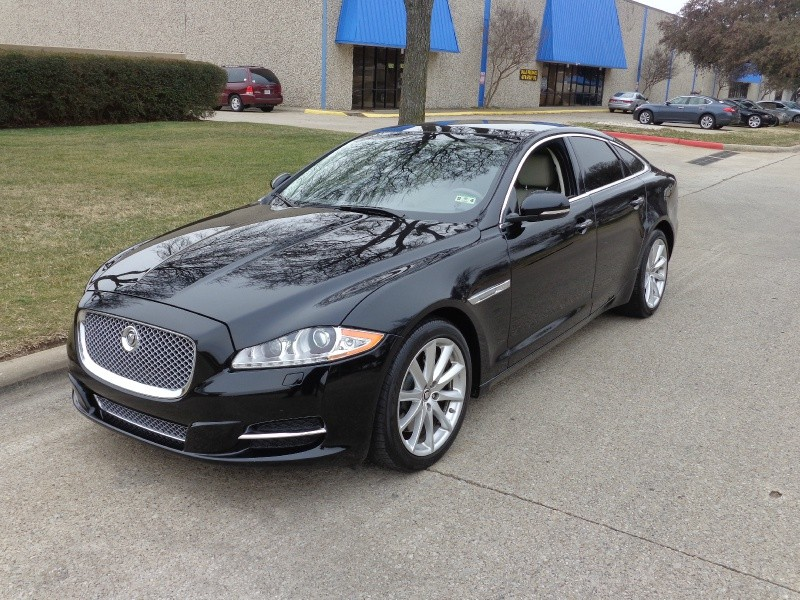 2011 Jaguar XJ 4dr Sdn 2011 JAGUAR XJ FULLY LOADED WITH LUXURY PREMIUM PACKAGE  NAVIGATION REAR V