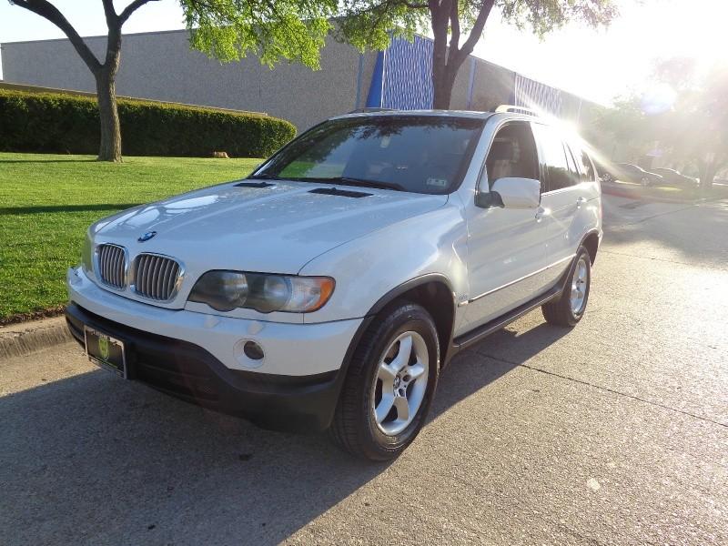 2001 BMW X5 X5 4dr AWD 44L WWWDALLASPREOWNEDCOM White Gray 103254 miles Stock H15692 VIN