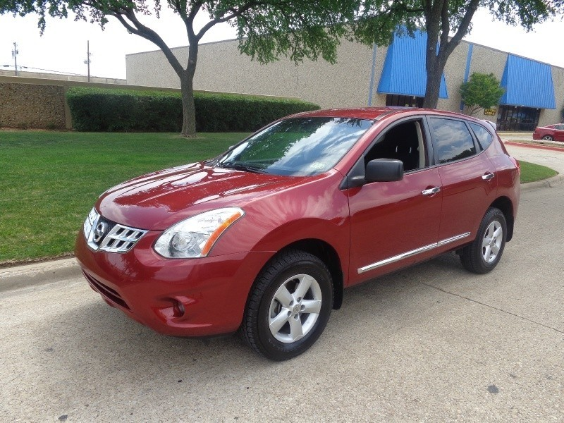 2012 Nissan Rogue WWWDALLASPREOWNEDCOM Burgundy Black 56804 miles Stock 255726 VIN JN8AS5MT