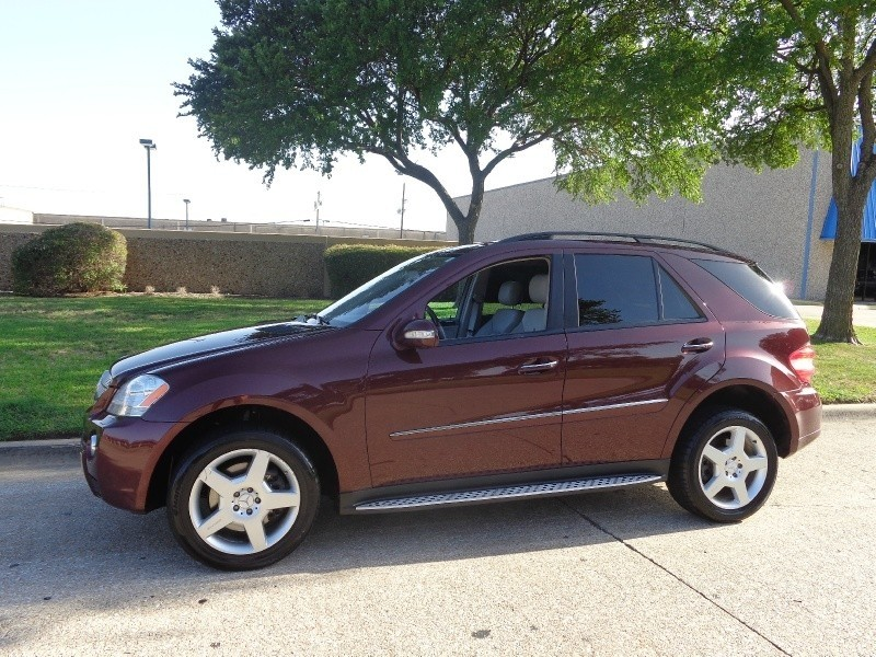 2008 Mercedes ML550 AMG PKG 4MATIC 4dr 55L 2008 Mercedes ML550 V8 4Matic Fully loaded w NAVIGATI