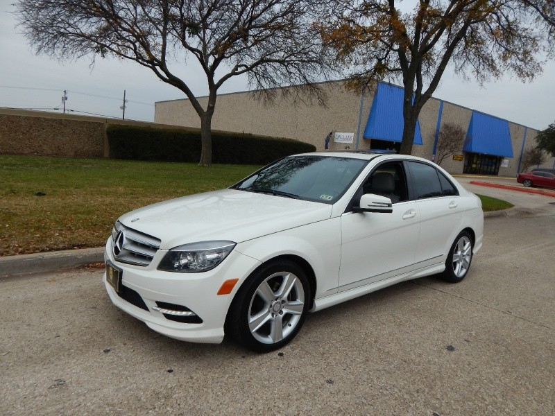 2011 Mercedes C-Class 2011 Mercedes-Benz C300 LEATHER HTD SEATS SUNROOF FINANCINGCARFAX CERTIFED