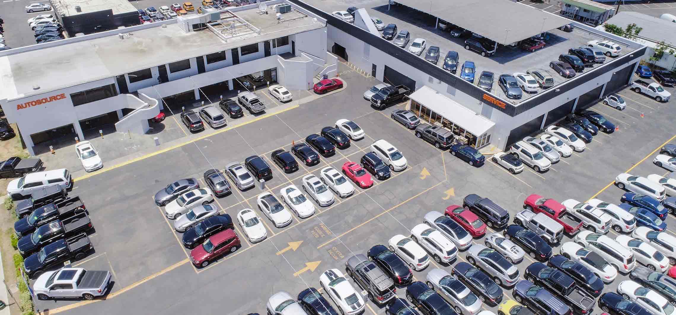 Dodge Magnum AUTOSOURCE Automobile dealership